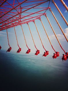WindSeeker - Cedar Point Amusement Park, Sandusky, OH. My favorite ride in the entire park! Scary Roller Coasters, Roller Coaster Ride, Oh The Places You'll Go, Places To Travel, Grand Parc, Kings Island, Amusement Park Rides, Cedar Point, Carnival Rides