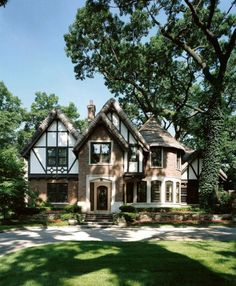 BEAUTIFUL. A Tudor style home is in my future.