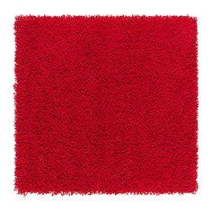 HAMPEN Alfombra, pelo largo IKEA Al estar hecha de fibras sintéticas, la alfombra no se mancha y es resistente y fácil de mantener.