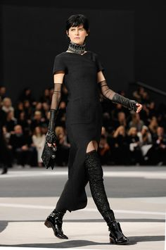 FALL-WINTER 2013/14 READY-TO-WEAR – Chanel News - Fashion news and behind the scene features