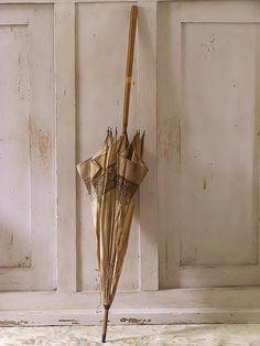 Franse parasol / French umbrella. SOLD