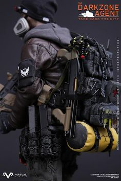 toyhaven: VTS Toys scale The Darkzone Agent figure is based on Tom Clancy's The Division Tactical Survival, Survival Gear, Tactical Gear, Airsoft Gear, Tactical Equipment, Tom Clancy The Division, The Division Gear, Armas Airsoft, Military Action Figures