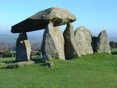 le-Pentre-Ifan Le dolmen de Pentre Ifan, Pays de Galles