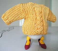 A Good yarn: Free Knitting Pattern, miniature sweater, egg cosy