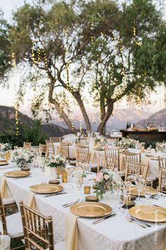 gold vineyard wedding table decor / http://www.deerpearlflowers.com/outdoor-vineyard-wedding-ideas/