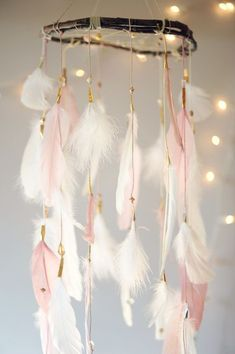 80 Best Pink White And Gold Bedroom Ideas. Pink White And Gold Bedroom As the walls are rather high, these colors seem stunning in an official dining room Decoration Creche, Summer Decoration, Pink And Gold, Pink White, White Gold, Pale Pink, Black White, Kids Bedroom, Bedroom Decor