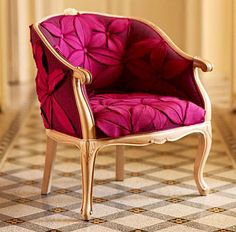 Italian upholsterer, and good friend of Upholstery Club, Antonio Marongiu, created this masterpiece five years ago using over 130 pieces of sewn fabric.