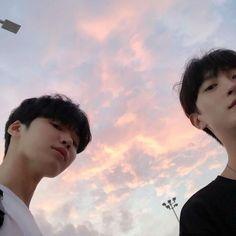 Read [Boys from the story Icons Ulzzang ¡! Korean Boys Ulzzang, Cute Korean Boys, Ulzzang Couple, Ulzzang Boy, Gay Aesthetic, Couple Aesthetic, Korean Aesthetic, Beautiful Boys, Pretty Boys