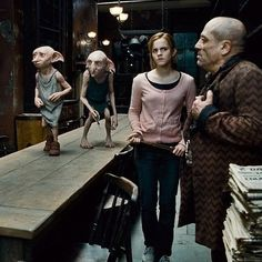 You can thank a fight with an ex-boyfriend for the creation of Quidditch. - 40 'Harry Potter' Facts That All Die-Hard Potterheads Know - Zimbio Harry Potter Movie Trivia, Saga Harry Potter, Mundo Harry Potter, Harry Potter Quotes, Harry Potter Movies, Harry Potter World, Lord Voldemort, Hermione Granger, Johnny Depp