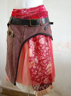 Recycling clothes to make this super page of cool and unusual skirts. http://www.cheresloques.fr/web/modeles-jupes.php