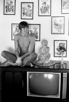 Davy Jones 1970. I watched a monkees  episode tonight were once again he refused to wear a shirt and fell in lust. Nice. Lol
