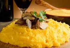 Mamaliga (Romanian Polenta) / Mamaliga :: Romanian Food Recipes I LOVE it! I could eat it every day! Healthy Dishes, Savoury Dishes, Tasty Dishes, Polenta, Risotto Cremeux, Cream Style Corn, Tamale Recipe, Corn Recipe, Baked Corn