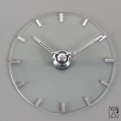 wall clock by Kienzle - Image 1 Bauhaus Furniture, Modern Furniture, Furniture Design, Retro Clock, Walter Gropius, Bauhaus Design, Clock Ideas, Cool Clocks, Tic Toc