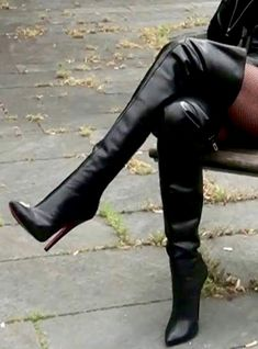 Get on your hands & kneees at my feet Mark Shavick! Black High Boots, Thigh High Boots Heels, High Leather Boots, Heeled Boots, Crotch Boots, Skirts With Boots, Nylons Heels, Sexy Boots, Designer Boots