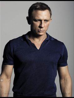 Updated April 24 2019 - Affordable alternatives for the Tom Ford Banded Hem Johnny Collar Polo Shirt worn by James Bond in SPECTRE. Daniel Craig James Bond, Daniel Craig Style, Tom Ford James Bond, Daniel Craig Spectre, Tom Ford Men, Rachel Weisz, Daniel Graig, James Bond Style, Mode Man