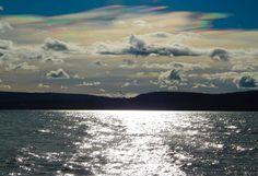 Irisierende Wolken  Bunte tolle Wolken heute Mittag am Himmel :) ich habe so was noch nie vorher gesehen und war wirklich wieder so beeindruckt was die Natur und alles zu bieten hat HAMMER   ich wünsche euch einen schönen Abend ;)  http://de.m.wikipedia.org/wiki/Irisierende_Wolke rainbow clouds / no fake by Marc Kunze on 500px