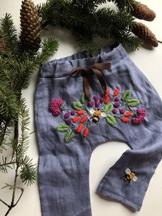 Embroidered baby pants at the customer provided clothing. Little Girl Dresses, Girls Dresses, Baby Boy Outfits, Kids Outfits, Baby Bonnets, Baby Pants, Cute Baby Clothes, Baby Wearing, Beautiful Babies