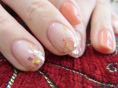 NAIL-COMMON: シェルのネイルと勲章 Hair And Nails, My Nails, Nail Manicure, Nail Polish, Subtle Nail Art, Magic Nails, Happy Nails, Minimalist Nails, Korean Nails