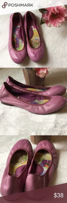 Born Purple Slide-In Ballet Flats Wonderful & Comfortable Born Ballet Flats, excellent condition!! Features:  🌸Slide-In Shoes 🌸Round Toes 🌸VerySoft insoles 🌸City Print Outsole Born Shoes Flats & Loafers