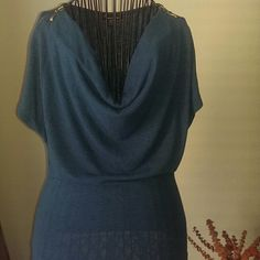 Forever 21 Teal Blouse Size M Good condition Forever 21 Shirt gold Zippers on shoulders Forever 21 Tops Blouses