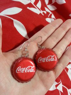Coca-Cola Bottle cap Earrings by KelleysCaps on Etsy Bottle Cap Earrings, Cute Earrings, Bottle Caps, Cute Jewelry, Jewelry Crafts, Coca Cola Decor, Always Coca Cola, Bottle Cap Crafts, Accesorios Casual