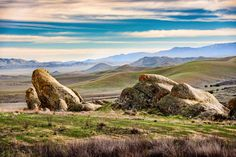 Carrizo Plain an amazing landscape in California that gets only 30000 visitors a year (OC) [4000x2669]