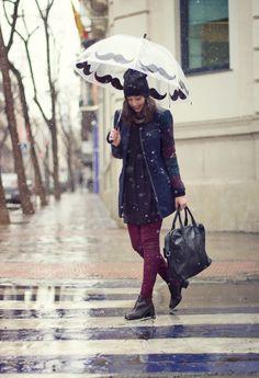 Paraguas bigote, moustache umbrella!