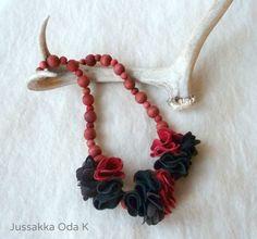 Vallas -kaulakoru by Jussakka Oda K Poromokkaa ja käsin värjättyjä puuhelmiä. Necklace by Jussakka Oda K Reindeer leather and wooden beads.  https://www.facebook.com/pages/JUSSAKKA-Oda-K/173696896121402?fref=photo&ref=hl #jussakka #poronnahka #koru