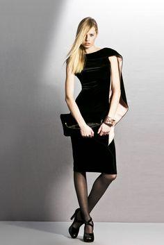 Giorgio Armani Pre-Fall 2011 Fashion Show All Fashion, Passion For Fashion, Fashion Show, Yes To The Dress, I Dress, Armani Collection, Giorgio Armani, Pretty Outfits, Short Dresses