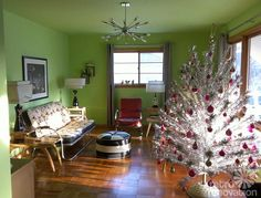 We take a look at 16 favorite photos from readers and their Christmas decorations. Aluminum Christmas trees... white trees & more.