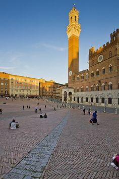 Siena Mangia Tower Palazzo Pubblico_ #TuscanyAgriturismoGiratola