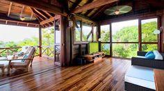 Cabana de Madera Rustica en Dominica  /   Rustic Wood Cottage in Dominica