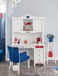 Детский письменный стол Cilek Strawberry STR-1102