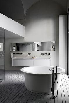 bachelorette rounded bathtub design
