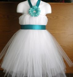 i will have to make this for emily doo-dah for my wedding day bc she will be the flower girl...