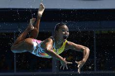 Una integrante del equipo japonés de natación sincronizada.