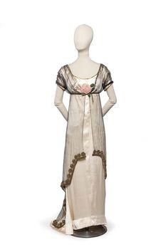 Paul Poiret , couturier, 1907 robe du soir   Les Arts décoratifs