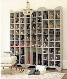 DIY: Ballard Designs Inspired Shoe Storage Plans - this is a great project, with detailed plans! A dream section of my dream walk-in closet! Shoe Storage Tower, Shoe Storage Plans, Shoe Storage Solutions, Boot Storage, Storage Ideas, Purse Storage, Creative Storage, Creative Ideas, Master Closet