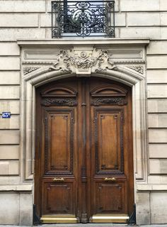 On a long list of reasons we each have to love Paris, there is inevitably one that we're especially passionate about …for me, it is the doors. The grand, majestic…