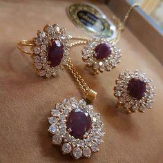 #RepostSave @gusibat_jewellery with @repostsaveapp  · · · #GoldJewelleryDesign