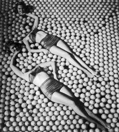 Headless honeys Bettmann archives, 1950