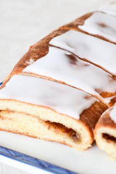 Danish Cake, Danish Food, Bakery Recipes, Baby Food Recipes, Home Bakery, Baking With Kids, Bread Cake, Food Cakes, Feta