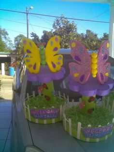 centros de mesa o mariposas para adornar