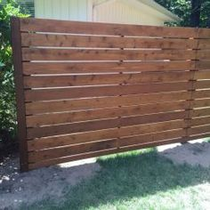 10 Sparkling Clever Hacks: Modern Vertical Fence Design Wooden Fence Rails Near Me.Front Yard Fence Landscaping Ideas Wooden Fence Posts Fence Around House. Cheap Privacy Fence, Privacy Fence Designs, Privacy Walls, Backyard Privacy, Backyard Fences, Privacy Screens, Cheap Fence Ideas, Outdoor Privacy, Garden Fencing
