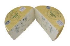 Harbourne Blue - Harbourne Blue is a semi-soft cheese made from pasteurized goat's milk. For the first time, it was made by Robin Congdon and later on, it is produced by Ticklemore Cheese in Devon. For maturation, the cheese takes around 10 weeks and forms a crumbly, dense and melting texture.     As it is made by hands, therefore, the cheese retains its sweet, spicy taste and aromatic smell.