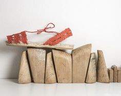 Coral. Las espadrilles Doble Basic de Ball Pagès están hechas con fibra de pitra 100%  natural, montadas y tejidas a mano. Sin forro y sin cuero, sin materia animal alguna. Coral, Spring Summer, Animal, Natural, Handmade, Fiber, Doubles Facts, Recycled Materials, Espadrilles