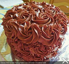 2 Bewertungen: Ø Tags: Backen, Creme, Kuchen, Torte pies pies recipes dekorieren rezepte Cupcake Frosting Recipes, Cookie Dough Frosting, Chocolate Buttercream Frosting, Cupcake Cakes, Cake Recipes, Dessert For Two, Dessert For Dinner, Marzipan Creme, Strawberry Cream Cheese Frosting