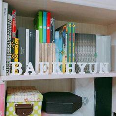 "17.8rb Suka, 284 Komentar - EXO (엑소) (@exokm.smtown) di Instagram: ""QOTD: Do you have any kpop merchandise? ❤ pic cr to owner • • #AdminAnis #exo #exol #엑소 #xiumin…"""