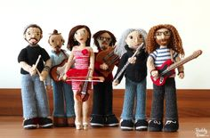 Amigurumi and crochet tutorials and how to, news, new patterns and works in progress Crochet Music, Crochet Shoes, Crochet Dolls, Tattoo Photography, Unique Guitars, Who Is Next, Feeling Lonely, Close Up Pictures, Guys