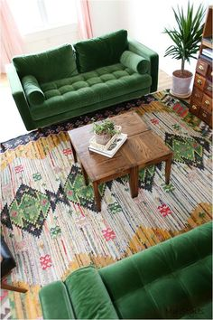38 adorable bohemian living room decor ideas in green shades 1 Retro Living Rooms, Colourful Living Room, Colorful Rooms, Eclectic Living Room, Bohemian Living, Boho Living Room, Bohemian Style, Living Room Decor Green, Moroccan Decor Living Room